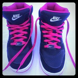 Nike air sneakers tennis shoes